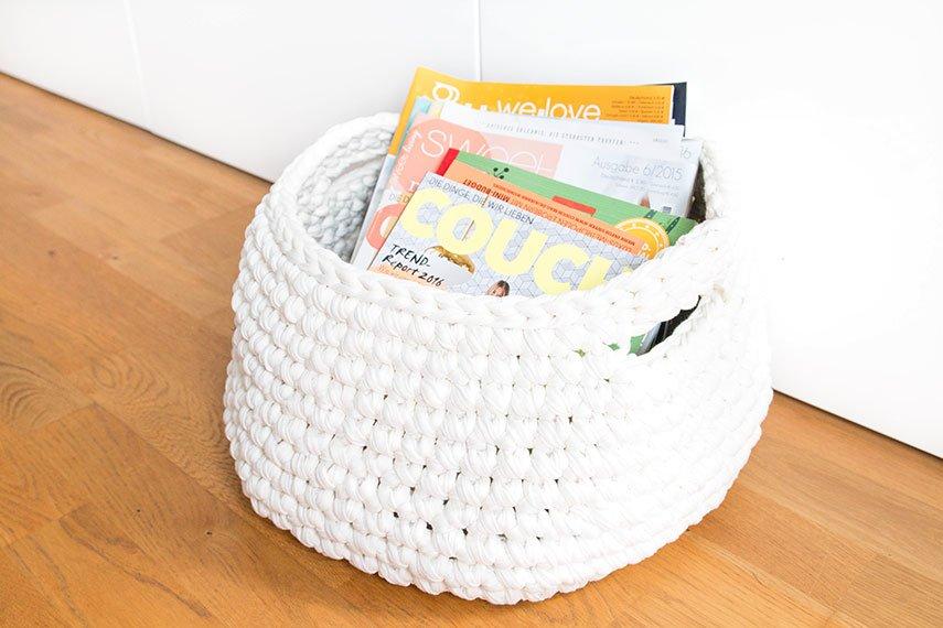 zeitschriftenkorb aus zpagetti garn h keln ars textura diy blog. Black Bedroom Furniture Sets. Home Design Ideas