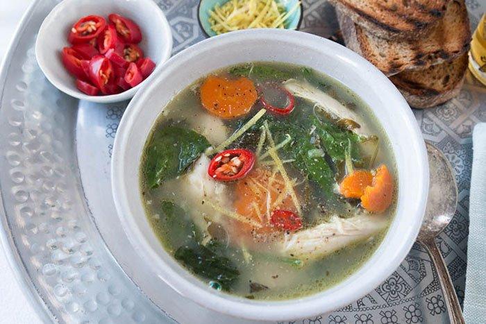 Orientalische Hühnersuppe Rezept