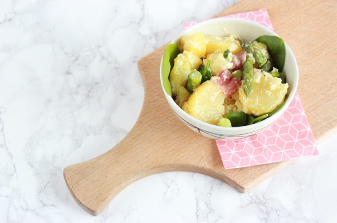 Kartoffelsalat mit grünem Spargel und Trüffelöl