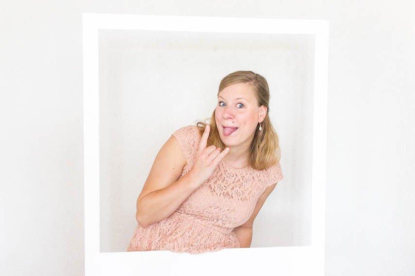 DIY XXL Polaroid Rahmen aus Holz basteln - perfekt für die Foto Box auf deiner Hochzeit!