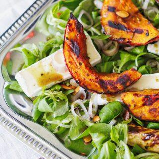 Kürbis Rezept: Salat mit gegrilltem Kürbis