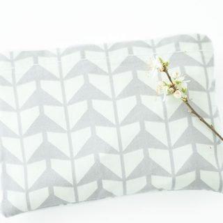 DIY Geschenk: Jutebeutel für die Handtasche nähen
