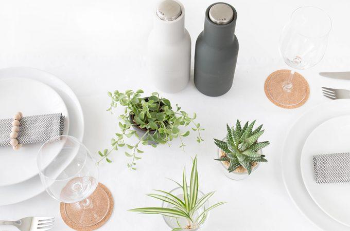 Tischdecko mit Pflanzen