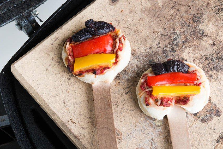Weber Elektrogrill Pizza : Pizza pops in deutschland farben der perfekte snack für die wm