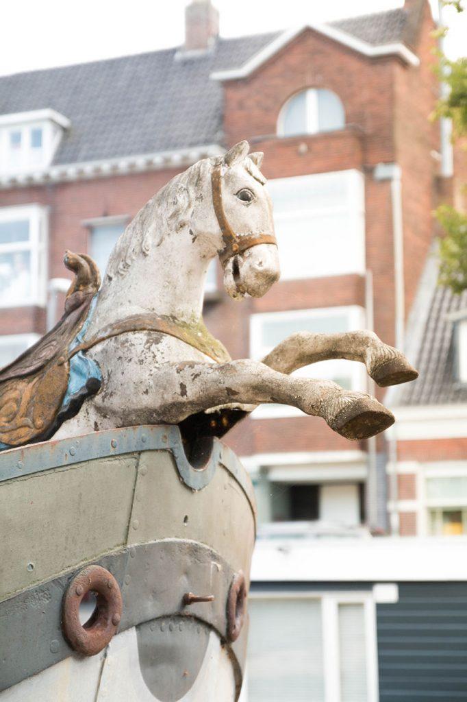 Altes Pferd am Bug
