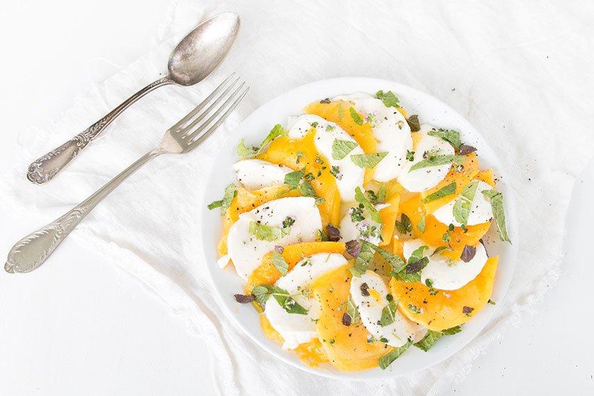 Sommerlicher Mango Salat mit Minze und Zitronenthymian