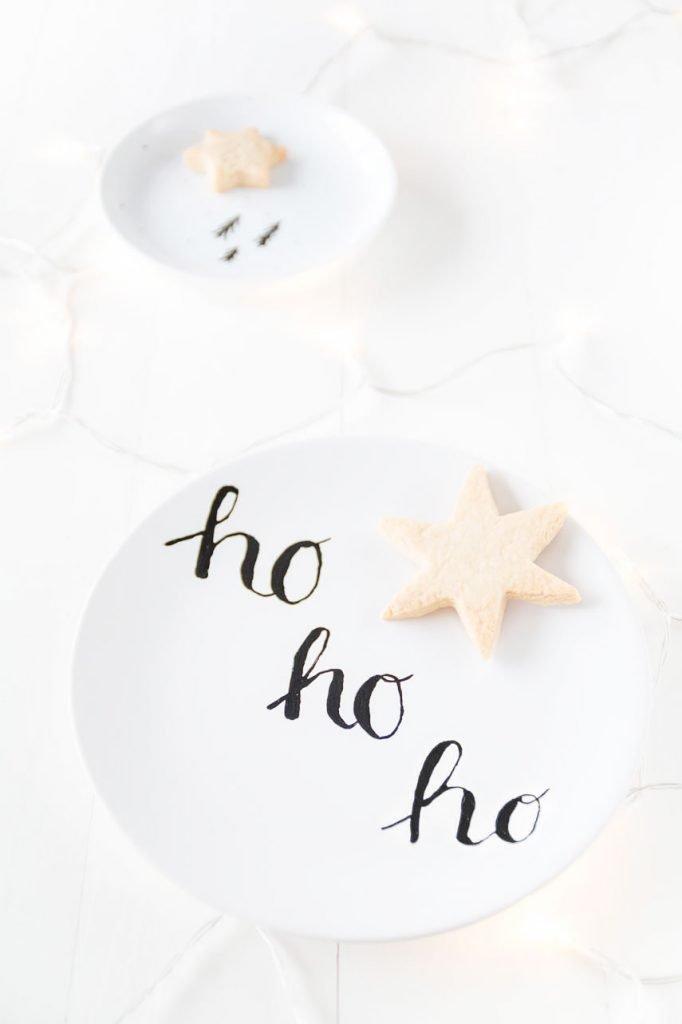 DIY Weihnachtsgeschirr selber machen mit Porzellanfarbe