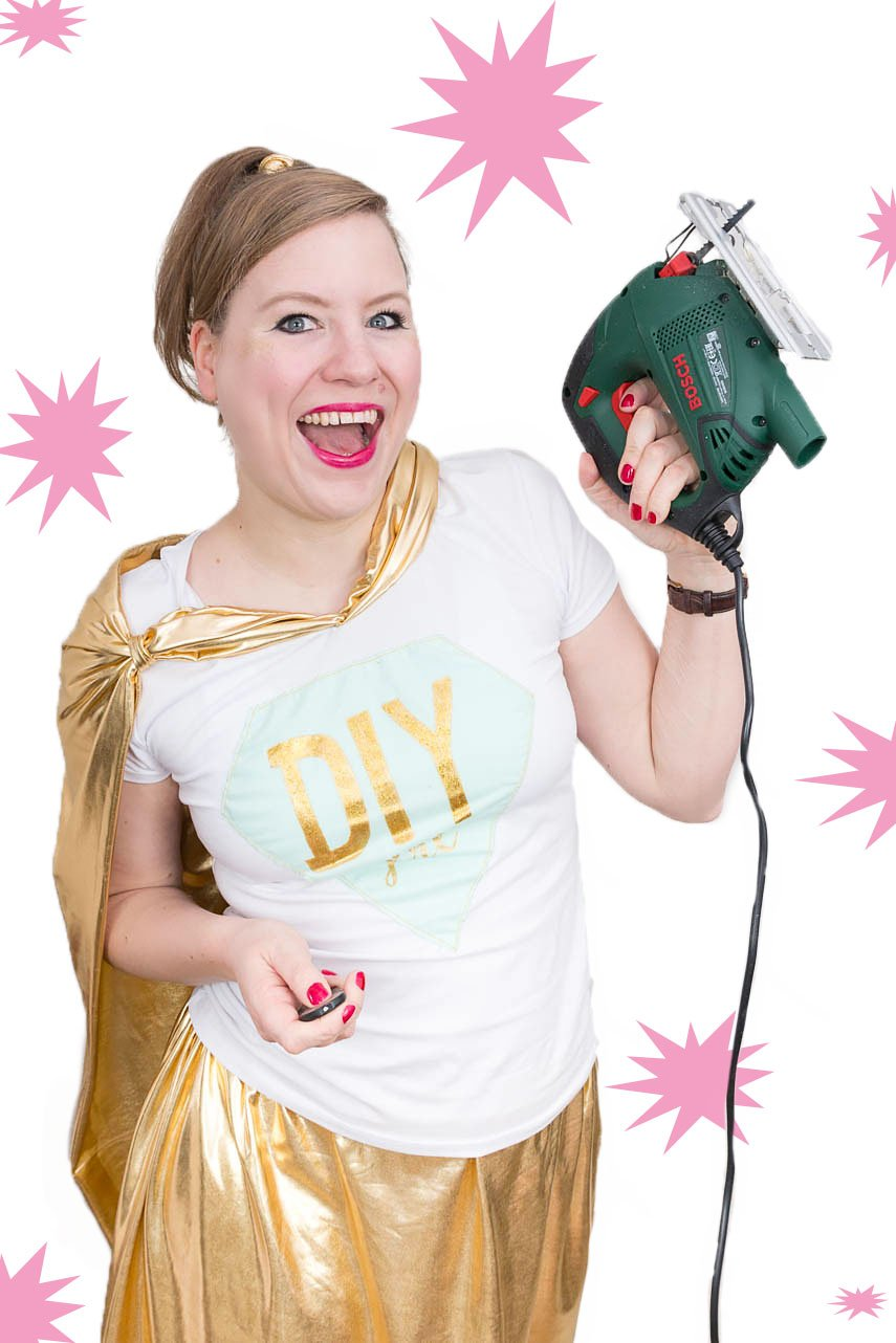 DIY Superhelden Kostüm nähen - ein tolles DIY Kostüm für Karneval und Fasching