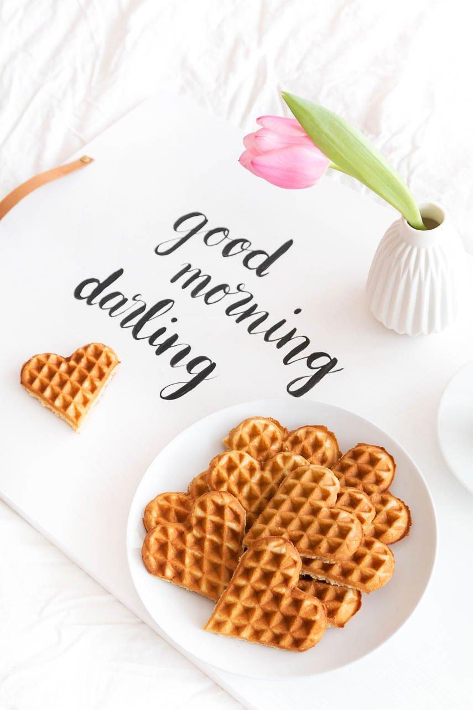 Frühstück im Bett - bau dir dein eigenes DIY Tablett für den Valentinstag
