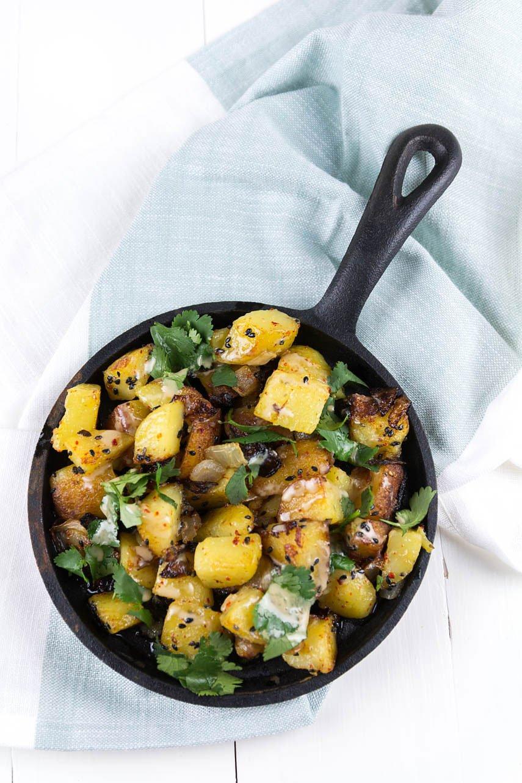 Sommerliche Bratkartoffeln mit Limette, Koriander und Sesam