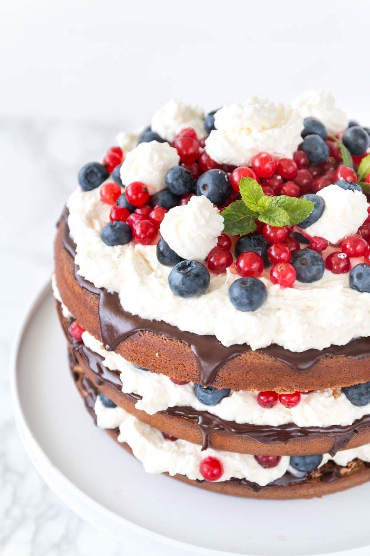 Torten Rezept: Schokoladen-Beeren Torte