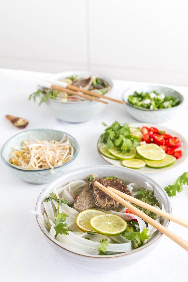 Pho Bo mit Rindfleisch, Zitronengras und Koriander