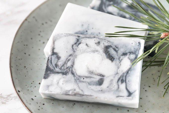 DIY Marmor Seife selber machen | ein tolles DIY Geschenk