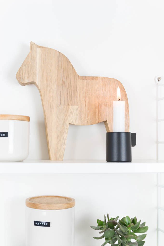 DIY Dalarna Pferd aus Holz sägen - die perfekte Küchendeko im Scandi Hygge Style - mit dieser DIY Anleitung könnt ihr es einfach nachbasteln | ars textura - DIY Blog