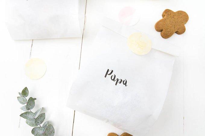 Plätzchen verschenken - Papiertüten mit Handlettering gestalten