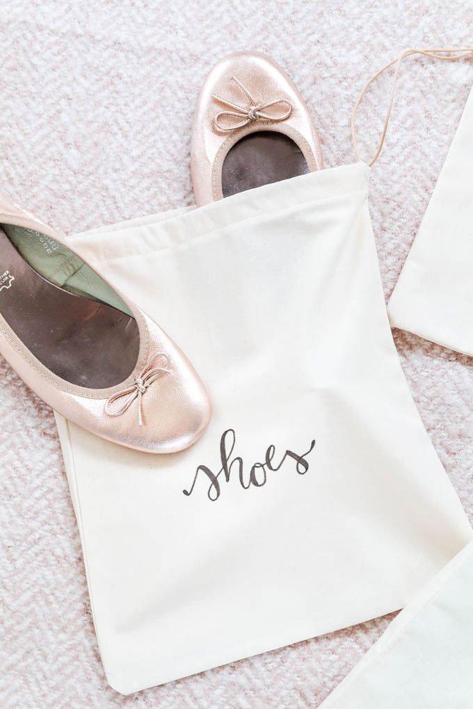Nähen Anleitung: DIY Schuhbeutel nähen - Beutel für Ballerina als DIY Geschenk | ars textura - DIY Geschenk