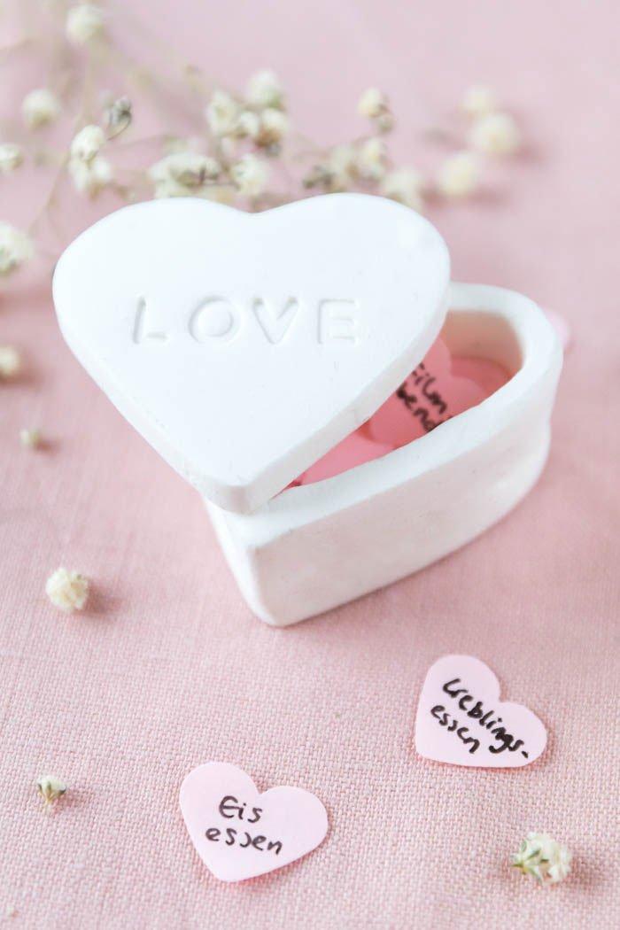 DIY Herz-Dose aus Fimo - ein schönes DIY Geschenk zum Valentinstag
