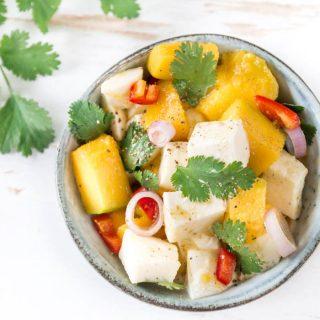 Mango-Mozzarella Salat mit Koriander und Chili