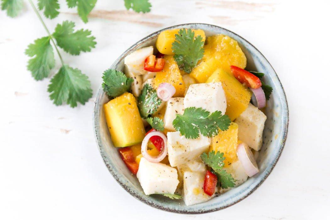 Mango-Mozzarella Salat mit Koriander und Chili - ein tolles Mango Rezept