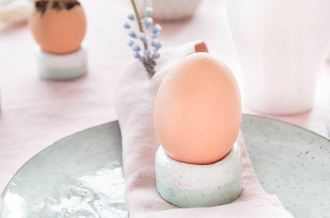 Eierbecher aus Salzteig und Tischdeko für Ostern