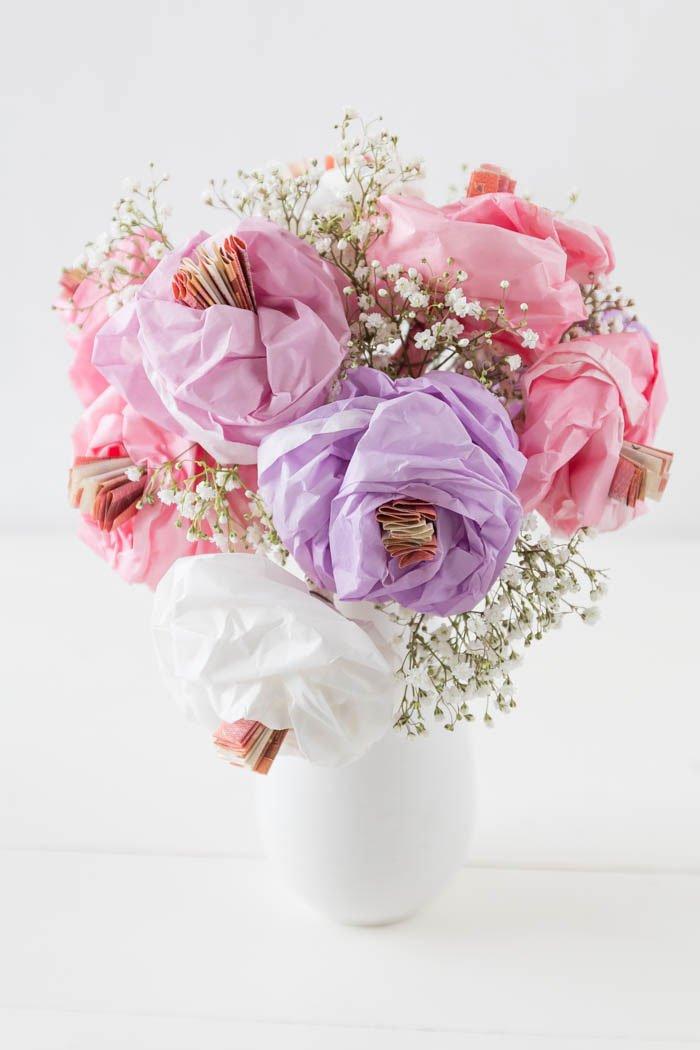 Geldgeschenk Hochzeit - DIY Geschenk zum Geburtstag - Einfache Blumen aus Papier und Geld basteln - ars textura DIY Blog
