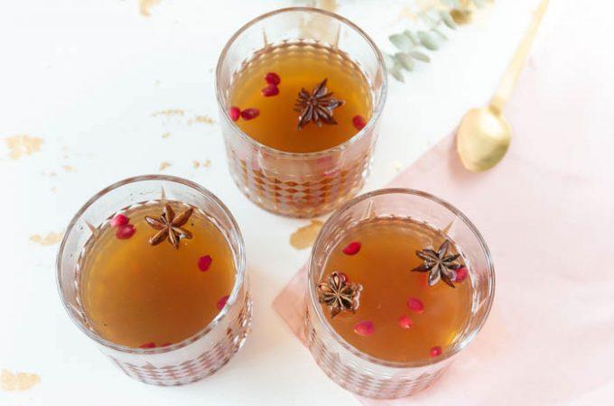 Apfelpunsch mit Granatapfel