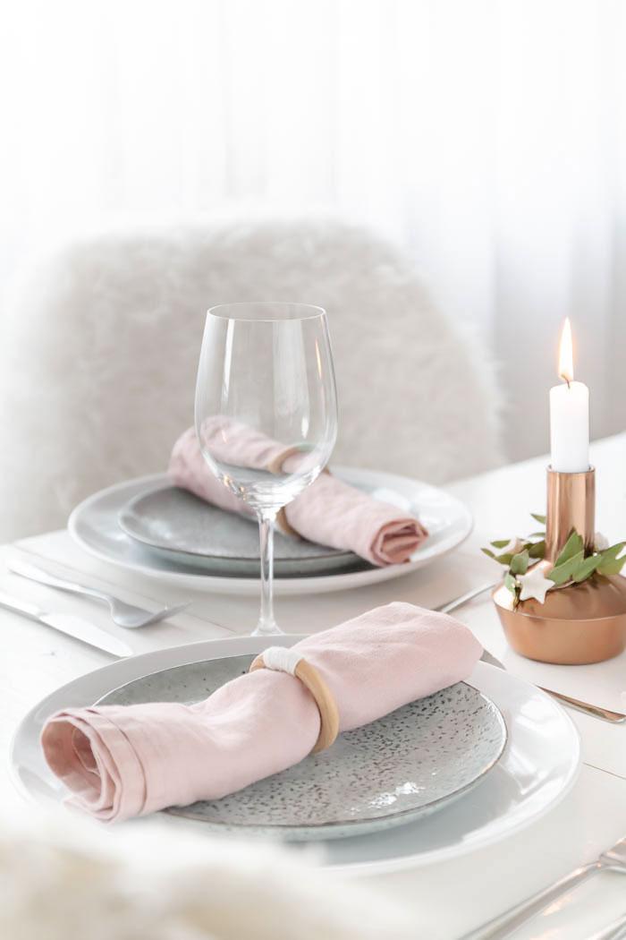 Serviettenringe selber machen als Tischdeko für Weihnachten