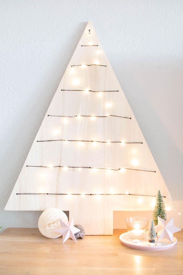 Weihnachtsbaum aus Holz - Weihnachtsdeko selber machen