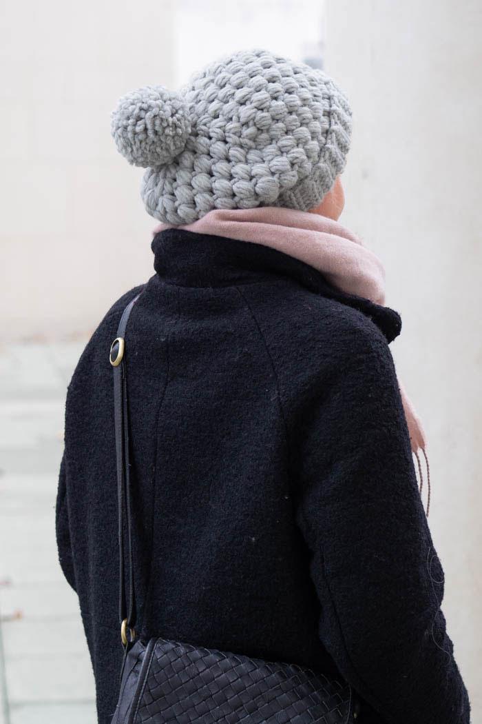 Mütze häkeln mit Büschelmachen und Bommel