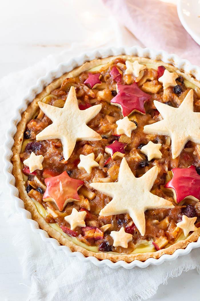Weihnachtliche Bratapfel Tarte mit Sternen - ein leckeres Weihnachtsrezept