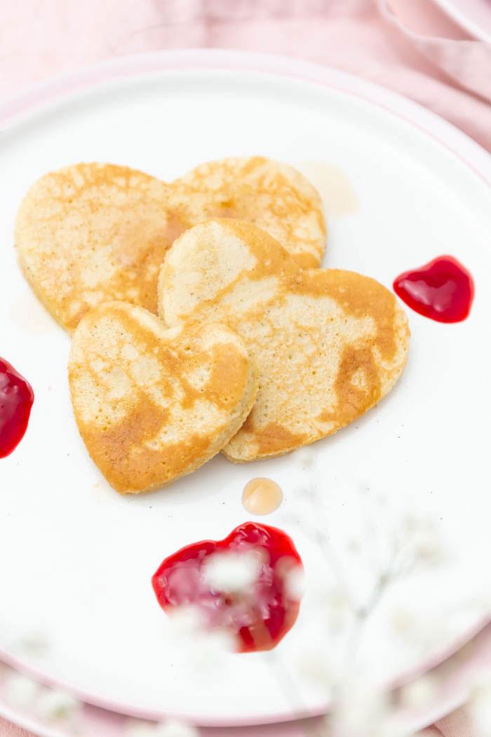 Herz-Pfannkuchen zum Valentinstag