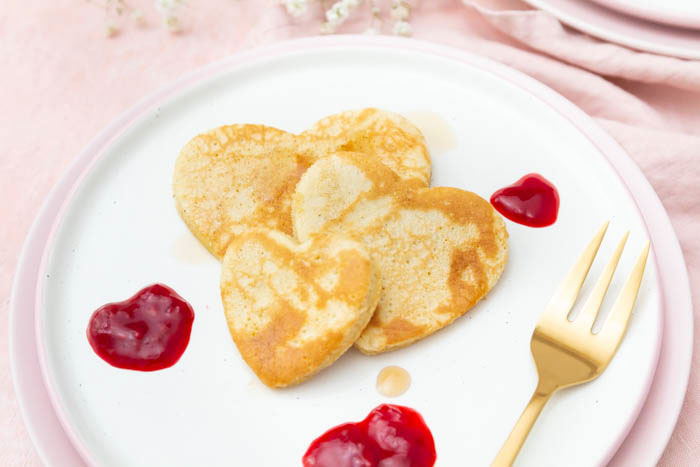 Rezept: Pfannkuchen Herzen als Dessert zum Valentinstag