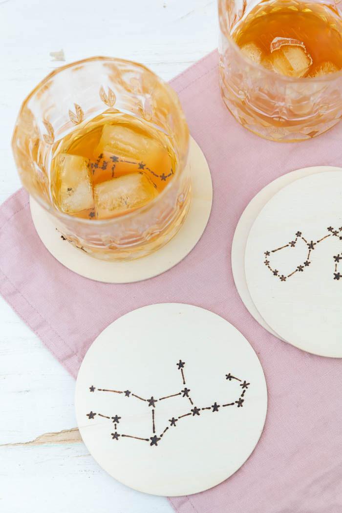 DIY Sternzeichen Untersetzer als Geschenk zum Valentinstag