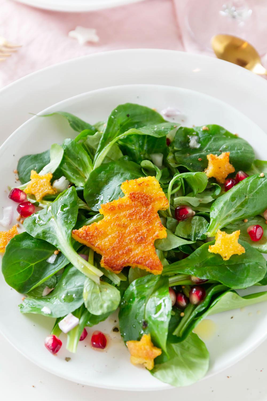 Weihnachtliche Vorspeise - Feldsalat mit Polenta und Granatapfel