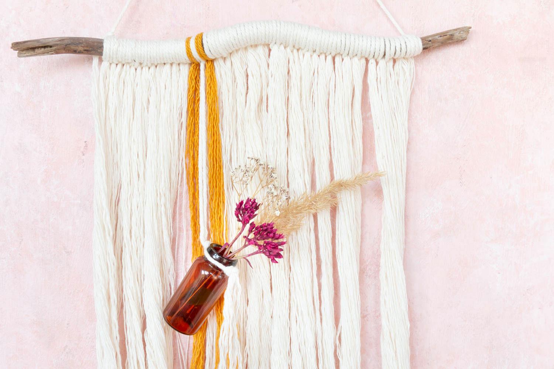 Anleitung: Makramee Herbstdeko mit Trockenblumen