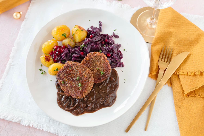 Rezept Veganer Weihnachtsessen: Linsen Medaillons mit Rotkohl, Spekulatius Soße und karamellisierten Kartoffeln