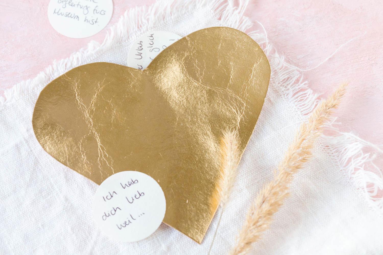 Herz Geschenk Valentinstag basteln